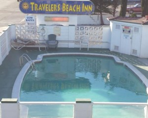 Travelers Beach Inn - Inviting Outdoor Pool